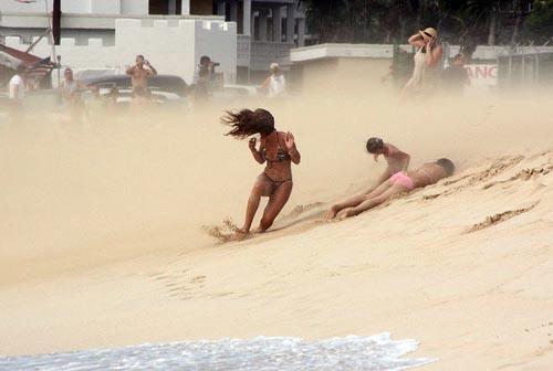 Viento y arena en la playa