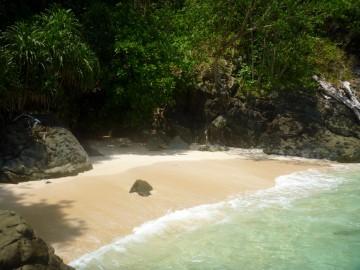 Playa secreta en la isla desierta de Ian
