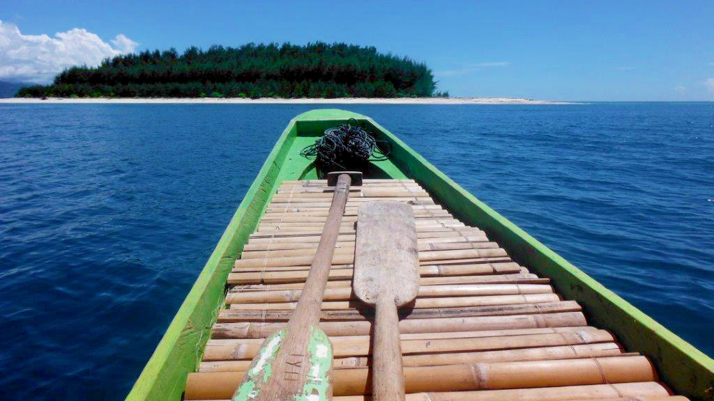 Arriving at the neighbouring island in one of the excursions