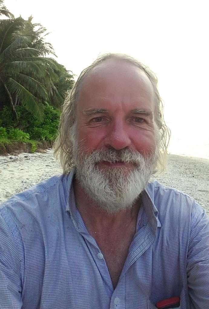 Ian Stuart Argus desert island english